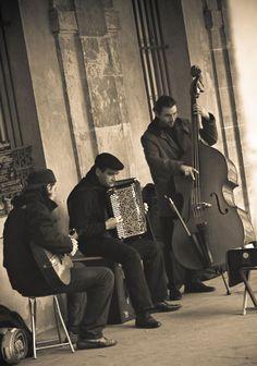 Musicians at Place Des Vosges