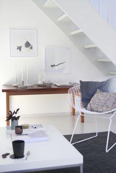 Still life, olohuoneen sisustus, living room, scandinavian, bertoia, diamond chair - muotoseikka\