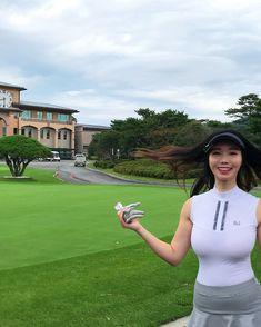 Girls Golf, Ladies Golf, Sexy Golf, Ripped Girls, Golf Outfit, Female Athletes, Sport Girl, Beautiful Asian Girls, Golfers