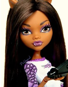 Dead Tired: Clawdeen Wolf by Picklepud via Flickr