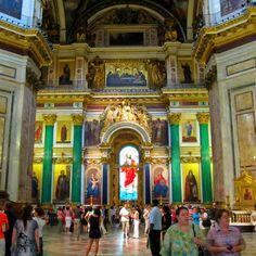 イサク大聖堂内部