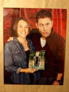 Omg, Jensen, that face!! Best photo op EVER!!! #chicon #supernatural