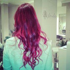 #acconciature #parrucchieri #pizzighettone #instahair #look #hairestyle #hairlook #hair #istafashion #changelook #gils #haircare #cremona #dublecolor #pinkhair #longhair #waves #woman