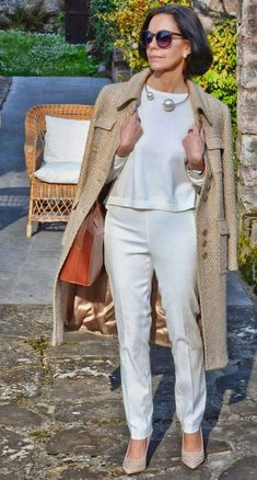 Best Outfits For Women Over 50 - Fashion Trends Classy Outfits, Stylish Outfits, Cool Outfits, Fashion Outfits, Fashion Trends, Stylish Clothes, Over 50 Womens Fashion, Fashion Over 50, Fashion Tips For Women