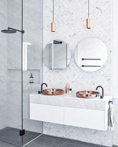 """// THOSE Carrara Marble Fish Scale Mosaics + that oversized BLACK shower head…"