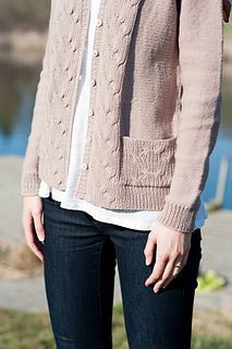 Marlena sweater pattern by Bristol Ivy (knitting, cardigan, cables, pocket… Sweater Knitting Patterns, Crochet Cardigan, Knit Patterns, Knit Crochet, Cardigan Sweaters For Women, Cardigans, Knit Basket, Yarn Thread, Vest Pattern