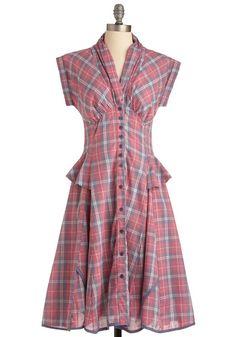 'Til the Gals Come 1940's Shirtwaist Dress for Sale http://www.vintagedancer.com/1940s/the-shirtwaist-dress-the-ultimate-1940s-day-dress/
