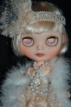 Daisy. Blythe doll with glitter eyes