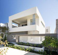 Die zeitgenössische Architektur hat den großen Vorteil, dass ihr eine Fülle an Materialien zur Verfügung steht, mit denen sie nicht nur den Bedürfnissen der Bauherren gerecht werden, sondern zugleich interessante Strukturen erschaffen kann.