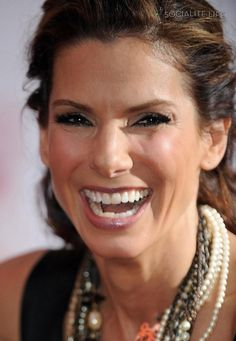 Sandra Bullock ROCKING HER SMILE!