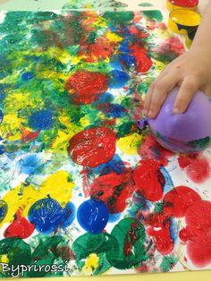 Balões e guache. criatividade e arte! #preschool #art #byprirossi