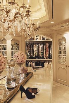 Explore the best of luxury closet design in a selection curated by Boca do Lobo to inspire interior designers looking to finish their projects. Discover unique walk-in closet setups by the best furniture makers out there Master Closet, Walk In Closet, Master Suite, Glam Closet, Closet Space, Huge Closet, Vanity In Closet, Master Bedroom, Beautiful Closets