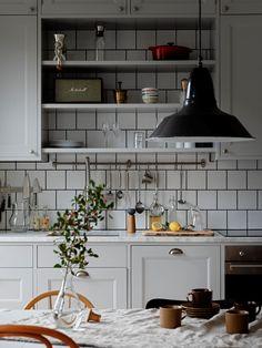 Kitchen Remodel, Kitchen Inspirations, Kitchen Dining Room, Kitchen Decor, Kitchen Living, Kitchen Interior, Classy Kitchen, Kitchen Layout, Blue Kitchen Decor