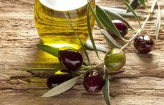 Olive oil is well known for its health benefits. We are giving you healthy ideas of using olive oil for cooking. Temple Hair Loss, Home Remedies For Skin, Hair Remedies, Vinegar Uses, Good Fats, Oils For Skin, Mediterranean Diet, Superfoods, Food Hacks