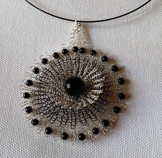 magdalena pusha Vladimirescu wire crochet flower