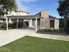 Great single level home with clean elevation. Simple carport that doesn't take away from the elevation. Best Home Builders, Custom Home Builders, Custom Homes, Level Homes, Good House, Cool House Designs, Perth, Luxury Homes, Building A House