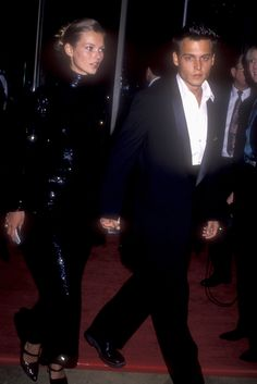 Kate Moss and Johnny Depp at the Golden Globe Awards, January 1995.