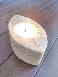 Naturel wooden handmade candle. By erdaltekin