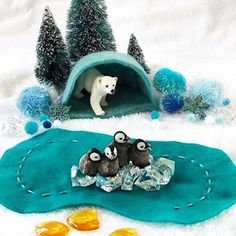 Inspire creativity + imagination with amazing playscapes handmade by early childhood educator, @melanieshanks35. What a great holiday gift idea!  Etsy shop: mybigworld2015  #mybigworld2015 #imagination #felt #etsy #handmadeloves