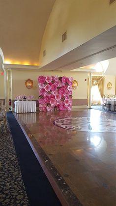 Papel rosa flor pared 8 ft x 8 ft papel Extra grande flores Large Paper Flowers, Paper Flower Wall, Paper Flower Backdrop, Wall Flowers, Flower Decorations, Wedding Decorations, Pink Paper, White Paper, Flower Fashion