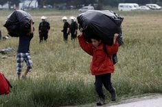 Greek Authorities Begin To Clear Out Idomeni Refugee Camp