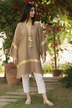 Pakistani Party Wear Dresses, Simple Pakistani Dresses, Pakistani Dress Design, Pakistani Outfits, Beautiful Dress Designs, Stylish Dress Designs, Designs For Dresses, Girls Frock Design, Fancy Dress Design