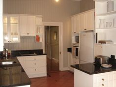 40 actions to do to your kitchen to help sell your house!