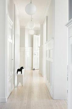 white white white and a little black dala horse. Make this type of white oak floor