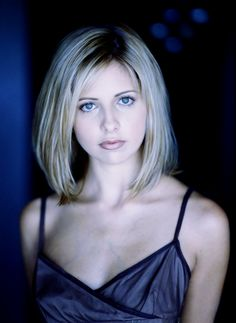 Sarah Michelle Gellar - love the cold hue even if it does bring out the veins in her chest - expression, lighting, pose, all marvelous