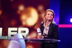 Pin for Later: Beim Deutschen Comedypreis 2015 ging es nicht nur lustig – sondern auch ganz schön emotional zu Annette Frier