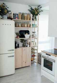 Great use of IKEA components for kitchen organization!