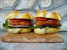 Limara péksége: Teljeskiőrlésű hamburgerzsemle Baking And Pastry, Okra, Salmon Burgers, Bakery, Lime, Bread, Cookies, Chicken, Pastries