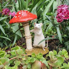 Taxidermy mouse hiding from the rain under a mushroom April Showers, Taxidermy, Stuffed Mushrooms, Rain, Unique Jewelry, Handmade Gifts, Vintage, Etsy, Stuff Mushrooms