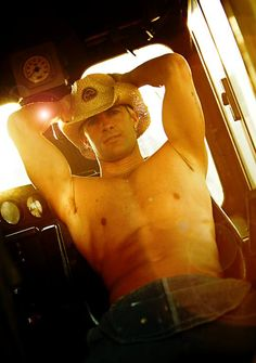 hot cowboys | Cowboys on photo and on pictures | Buy Rodeo and Cowboy Hats