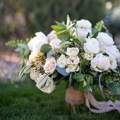 Beautiful bridal bouquet  #weddingflowers by @layersoflovely  #weddingstylist is @whenpigsflyevents  #weddingphotographer is @megruth #bouquet #weddingbouquet #bridalbouquet  #handbouquet #weddingflowersdecor #weddingflower  #flowerbouquet #bouquetwedding #flowers #flowerstagram #flowerslovers #flowersofinstagram #flowermagic #floweroftheday #flowerart #whitebouquet #weddinginspo #wedding #weddinngday #bridalinspo #bridebook #weddingchicks #weddingblog