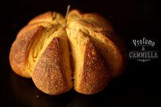 Pane alla zucca come centrotavola perfetto per #halloween.