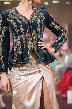 Indian Designer Outfits, Indian Outfits, Designer Dresses, Velvet Dress Designs, Hijab Stile, Iranian Women Fashion, Fashion Dresses, Dress Outfits, Stylish Work Outfits