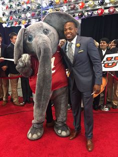 Walter Camp Player of the Year Derrick Henry with Big Al at #CFBAwards #RollTide