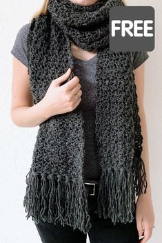 Fast crochet scarf: Awesome Andrea - free crochet pattern by Wilmade - - Looking for a fast crochet scarf? Here you can find my beginner-friendly crochet pattern for FREE! Made with Lion Brand Touch of Alpaca yarn and hook size Crochet Scarves, Crochet Shawl, Crochet Clothes, Crochet Hooks, Chunky Crochet Scarf, Crocheted Scarf, Fast Crochet, Crochet Simple, Crochet For Boys