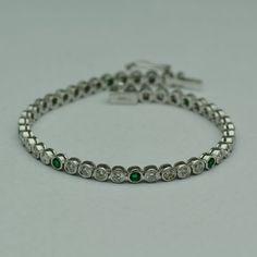 Bratara cu smaralde si diamante, din aur alb - Artofdiamonds.ro http://www.artofdiamonds.ro/bratari-aur/bratara-smarald/bratara-cu-smaralde-si-diamante-din-aur #bratariauralb #bratarasmaralddiamante #smaralde #emeraldbracelet #emeralds