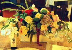 wooden wine box centerpiece - style Varese Wedding