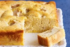 Custard and Apple tTeacake:  An apple a day is no problem in this old fashioned tea cake. ~ *diy filling mmm