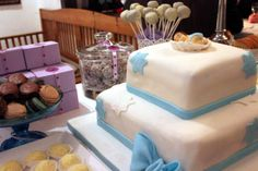 Ein #sweet #table fuer die #Taufe #Torte #Kuchen | www.helavik.de
