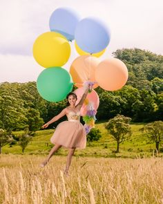 Love, Lil Concepts - For lovers of funfetti, cake, floral creations and DIY styling Big Round Balloons, Giant Balloons, Barbie Birthday, Girl Birthday, Throw A Party, Fashion Shoot, Big And Beautiful, Color Mixing, Cool Photos