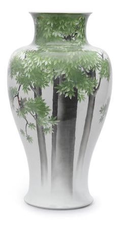 A large porcelain baluster vase By Makuzu Kozan, Meiji Period (2)
