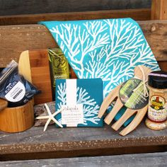 Wedding Gift Delivery Hawaii : ... HAWAIIAN WEDDING GIFTS on Pinterest Gift baskets, Beach gifts and