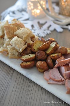 Christmas Fondue Party: Make an entire evening out of fondue, with cheese fondue. - Christmas Fondue Party: Make an entire evening out of fondue, with cheese fondue, oil fondue, choco - Fondue Recipes, Fish Recipes, Appetizer Recipes, Cooking Recipes, Fondue Ideas, Appetizers, Appetizer Party, Kabob Recipes, Beef Recipes