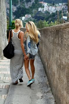 Travel with your best friend. @Esther Aduriz they're in Italy!