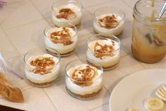 This Banana Caramel Cream Dessert is simply one of the most delicious desserts ever! this dessert has it all! Individual Desserts, Small Desserts, Mini Desserts, Delicious Desserts, Yummy Food, Mason Jar Desserts, Dessert Spoons, Dessert Dishes, Dessert Recipes