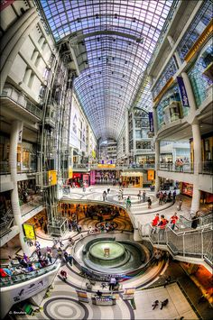 Toronto Eaton Centre - Where Beverly went missing and where Wendell Wolka told Janae his story. Shopping Mall Interior, Shopping Malls, Ottawa, Atrium Design, Urban Design Concept, Eaton Centre, Mall Design, Centre Commercial, Downtown Toronto